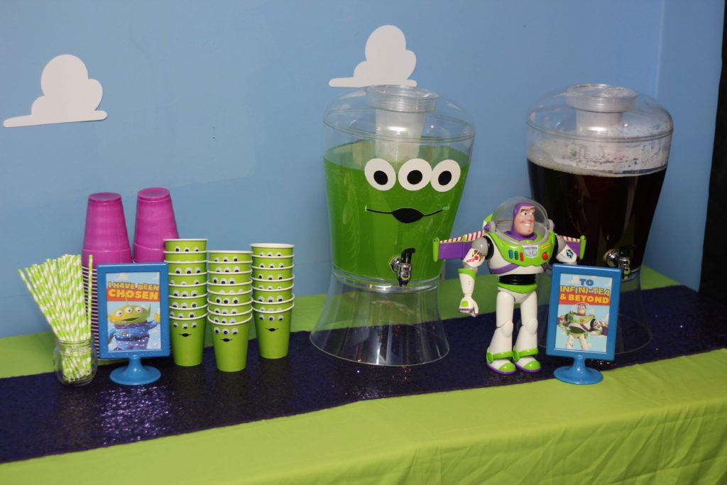 Buzz Lightyear Birthday: Out of this World Drink Station