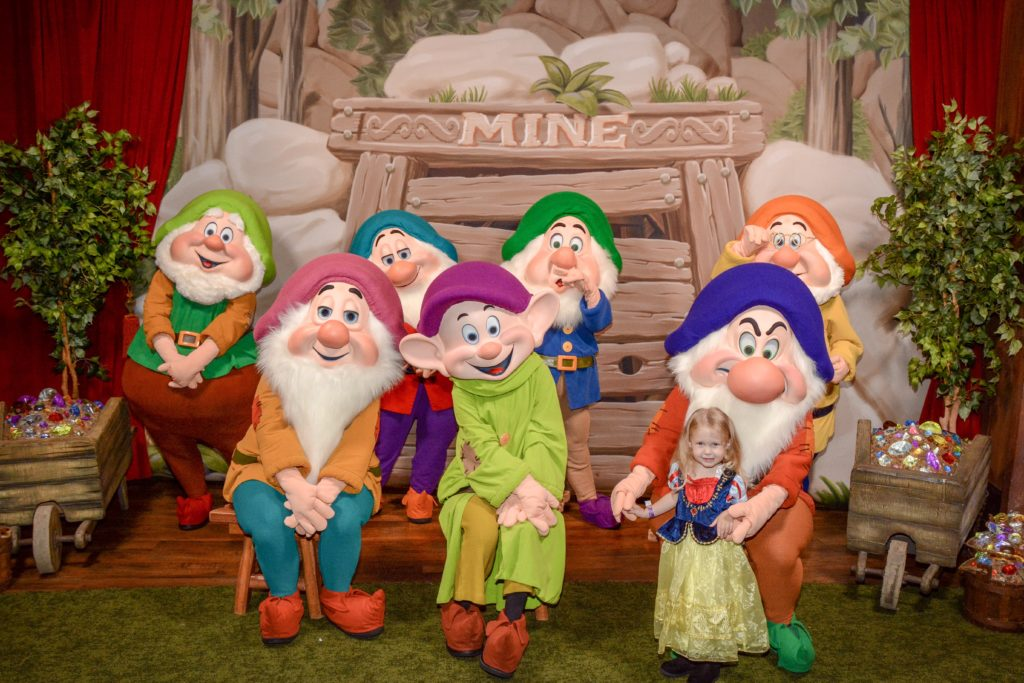 Meeting Seven Dwarves at Mickeys Halloween Party