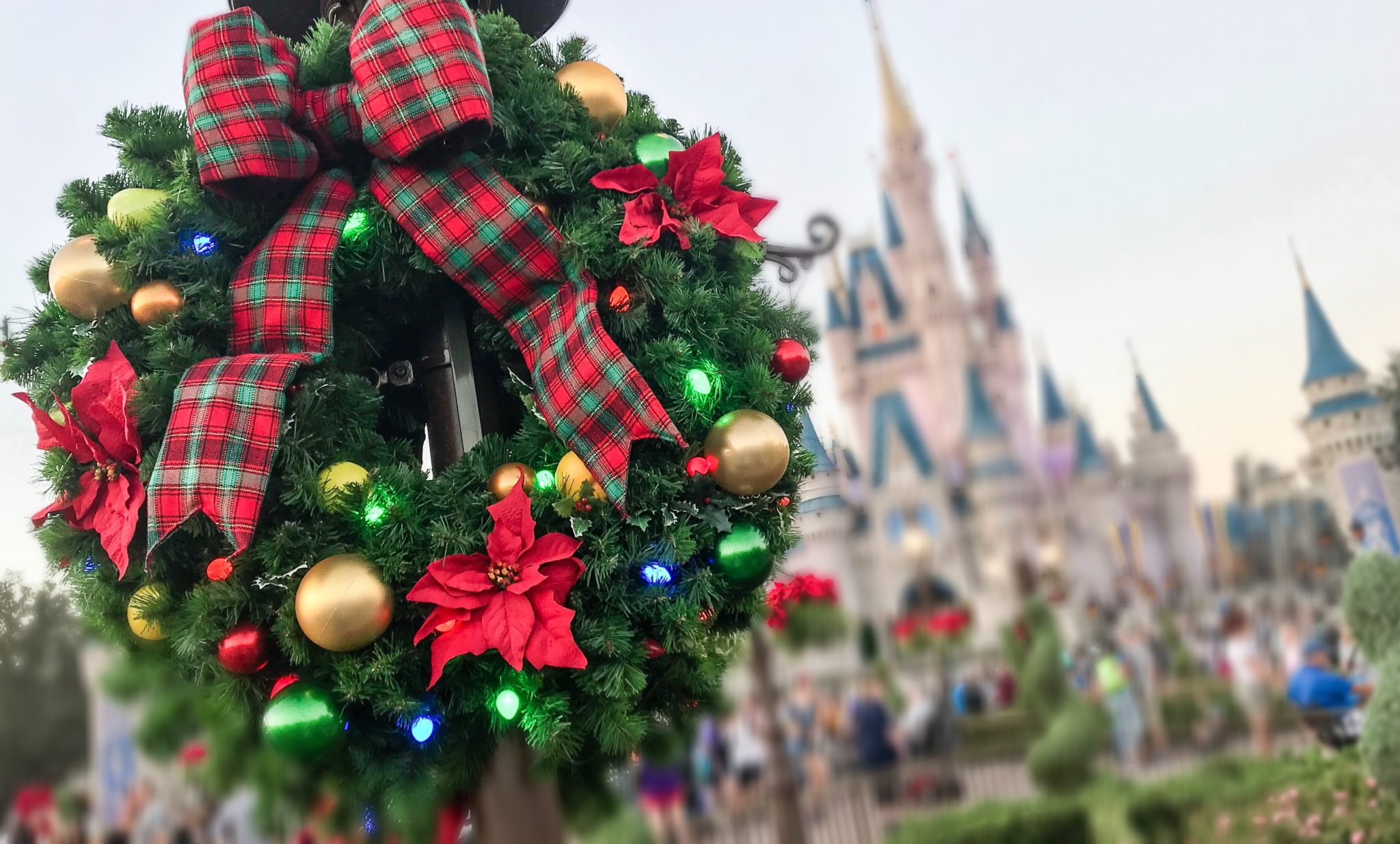 Your Guide To Christmas At Disney World 2019 Must Do S This
