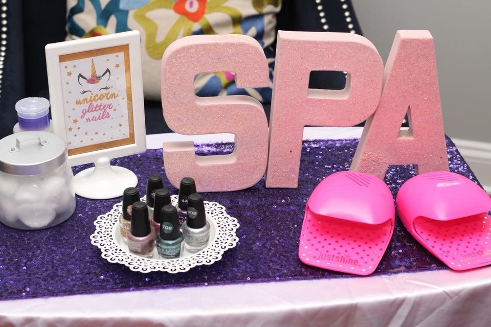 Unicorn Spa Nail Station