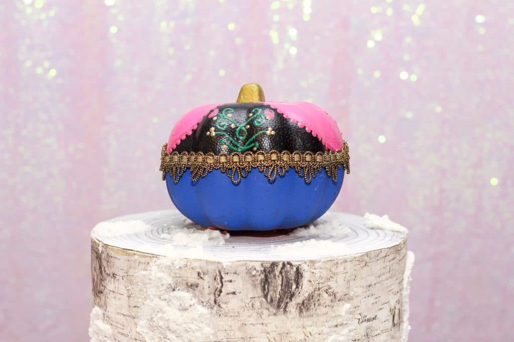 DIY Anna Painted Pumpkin